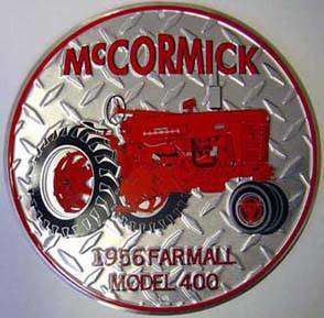 MC CORMICK FARMALL MODEL 400 PLÅTSKYLT 30cm