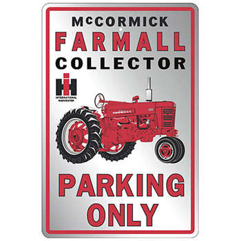FARMALL PARKING ONLY PLÅTSKYLT 46x30cm